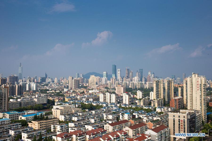 В Китае объем инвестиций в основные фонды в январе-июне увеличился на 11,4%