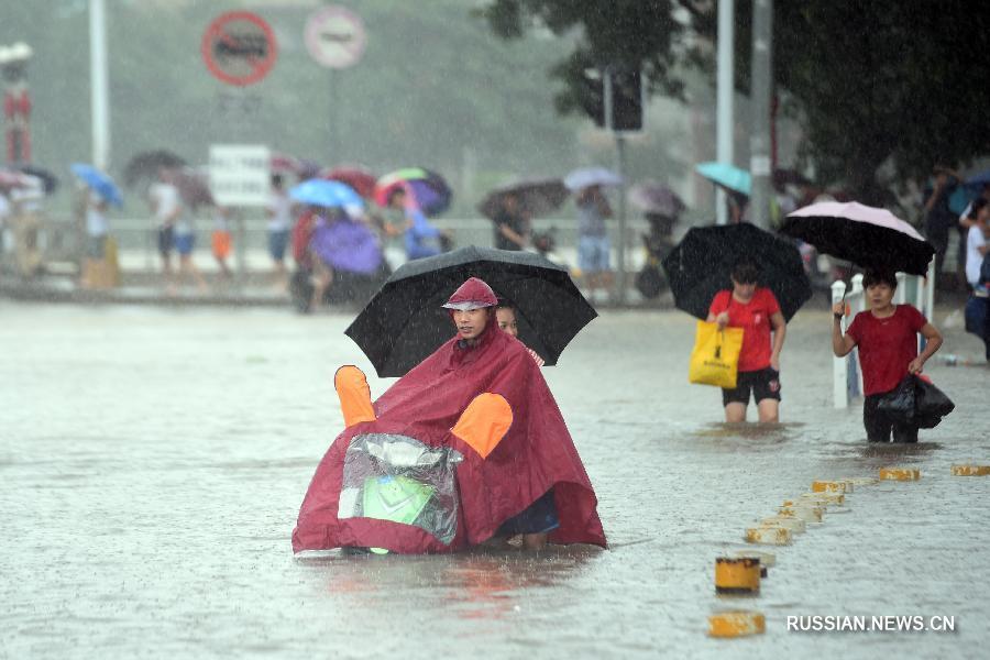 ВКитайской народной республике отпаводка после тайфуна пострадали неменее 560 тыс. человек