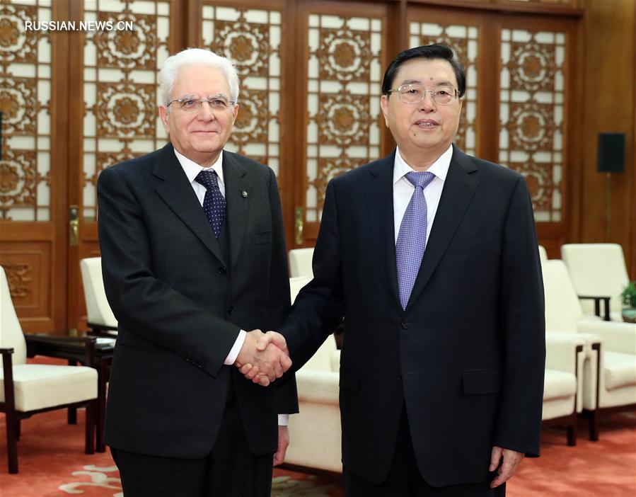 (XHDW)张德江会见意大利总统马塔雷拉