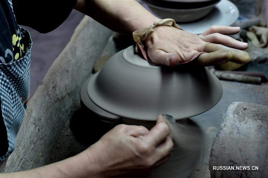 Керамика из Цзыбо