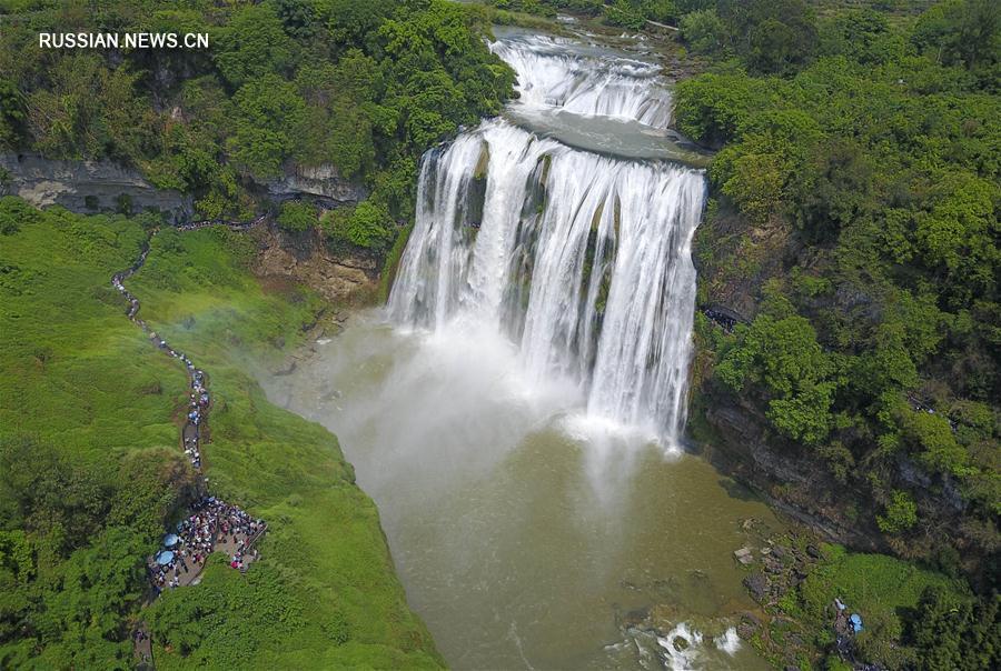 За три дня первомайских каникул туристические объекты Китая приняли 134 млн посетителей
