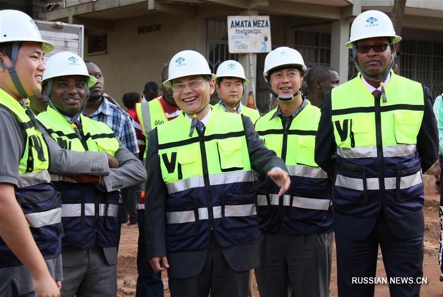 (XHDW)(1)卢旺达官员说中国公司承建项目将满足居民出行需求