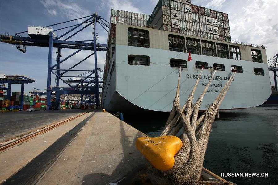 """Контейнеровоз """"COSCO Netherlands"""" проплыл по Морскому Шелковому пути XXI века"""