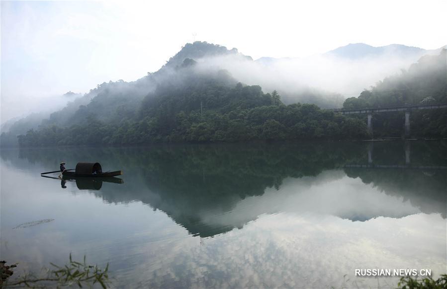 Завораживающие пейзажи водохранилища Дунцзянху