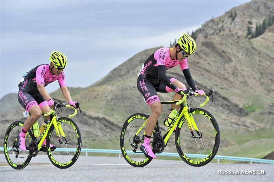 """Велоспорт -- Шоссейная гонка """"Тур озера Сайрам-Нур"""" стартовала в Синьцзяне"""