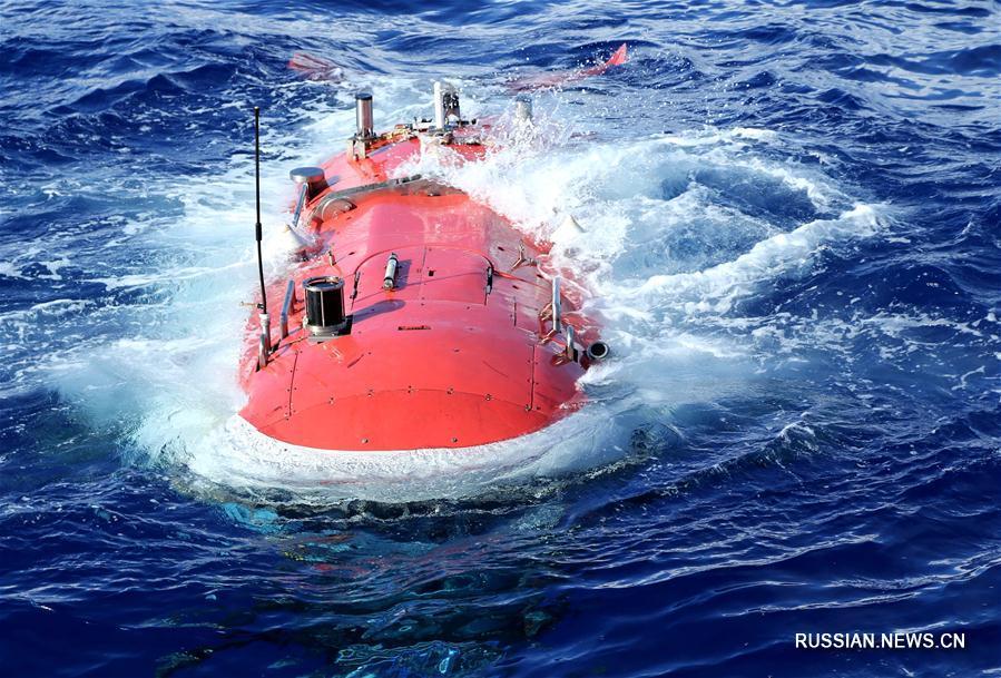 """Батискаф """"Цзяолун"""" погрузился в Марианской впадине на глубину 6699 метров"""