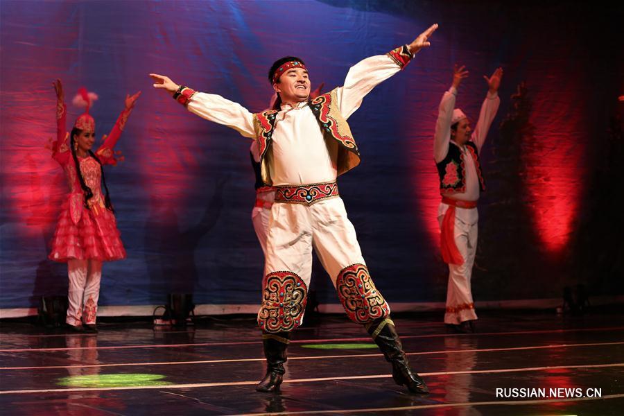 В Астане прошло выступление артистов из труппы Синьцзянского театра искусств