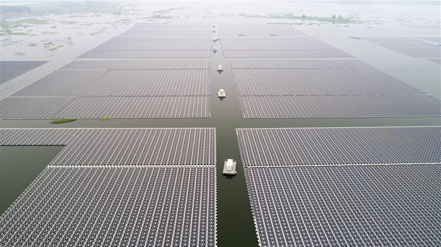 """""""Отбросы превратились в сокровище"""" -- В провинции Аньхой открылась """"плавающая"""" солнечная электростанция в зоне промышленного бедствия прошлых лет"""