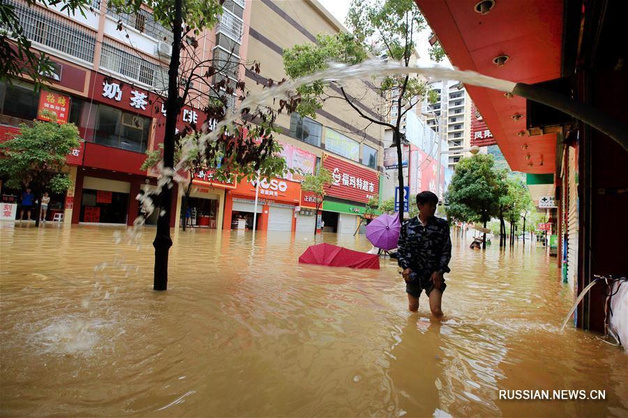 Уезд Фэншань Гуанси-Чжуанского автономного района пострадал от проливных дождей