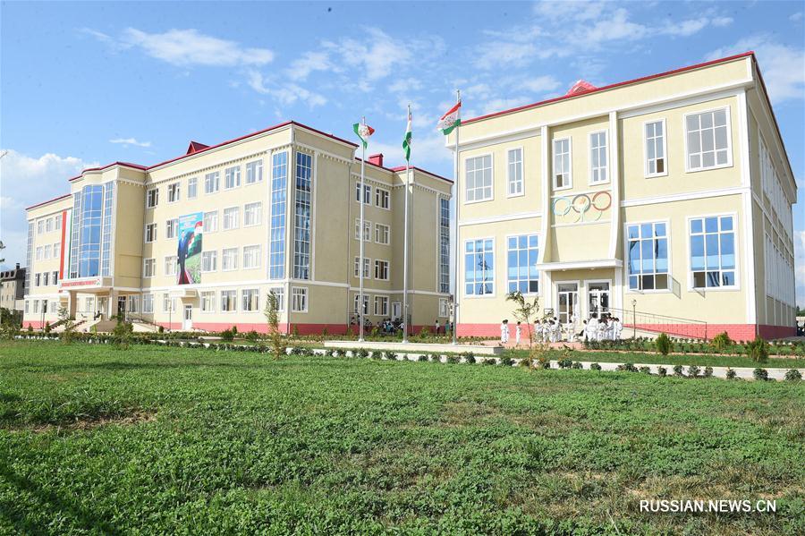 Китайская компания построила современную школу в таджикском городе Вахдат