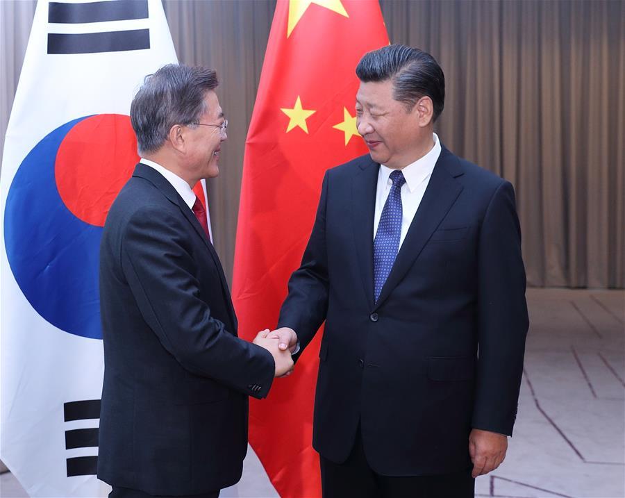 (时政)习近平会见韩国总统文在寅