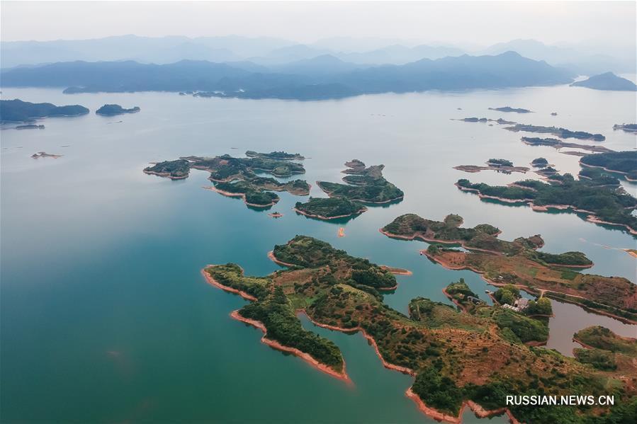 """Озеро тысячи островов"" в провинции Чжэцзян"