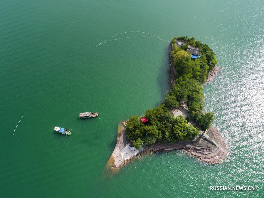 Сохранение чистоты озера Тысячи островов в провинции Чжэцзян