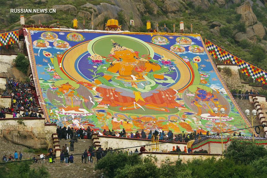 (XHDW)(1)西藏:哲蚌寺展佛 雪顿节开幕