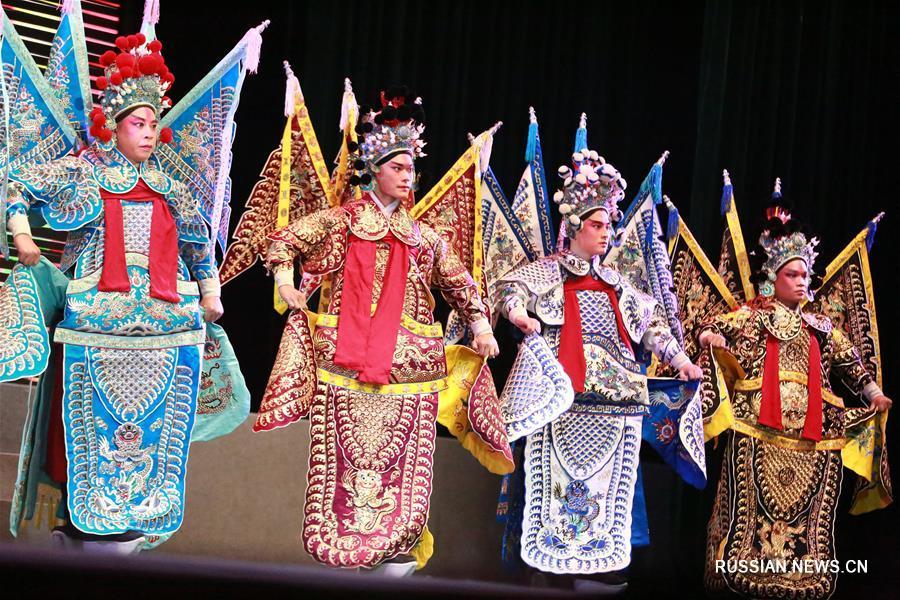 """Волшебные звуки оперы """"сысянь"""" в провинции Хэбэй"""
