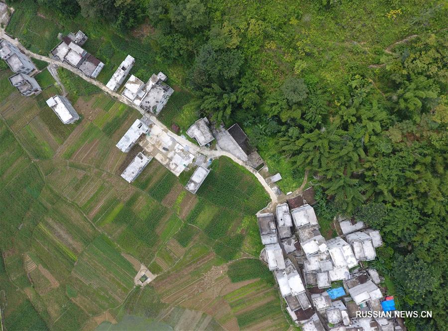 Уезд Тяньдэн в Гуанси с высоты птичьего полета