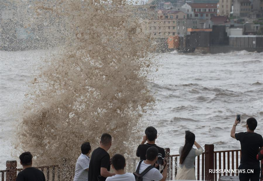"""Провинция Чжэцзян готовится к удару тайфуна """"Талим"""""""