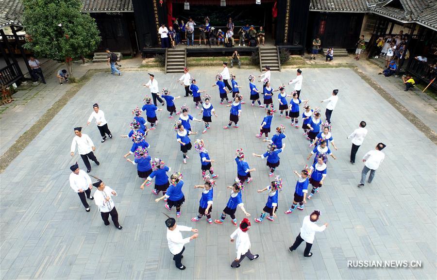 Культурное наследие дунцев привлекает туристов в уезд Саньцзян