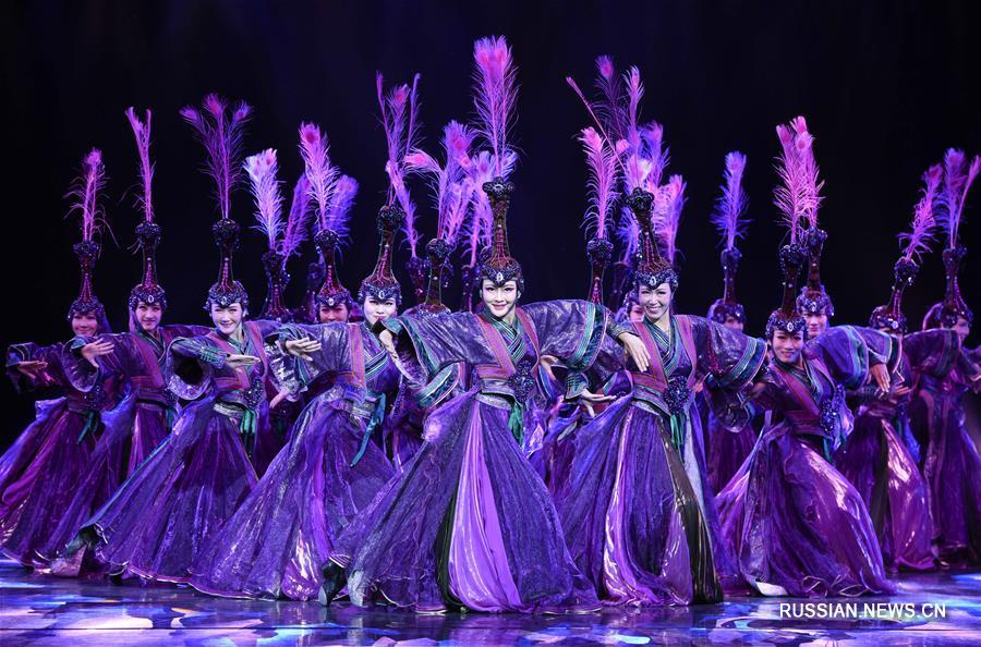 В Хух-Хото открылось Международное шоу монгольских народных танцев