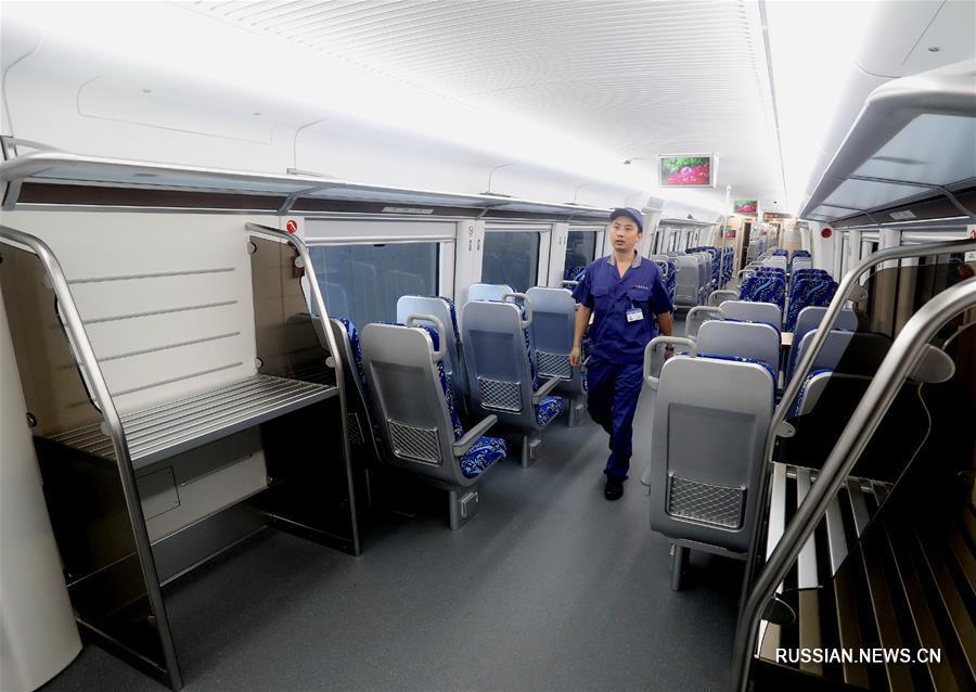 По первой в Китае скоростной линии городских железных дорог будут курсировать новые поезда