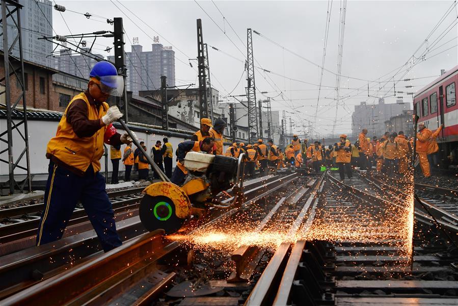 Железнодорожная станция Чжэнчжоу избавится от деревянных шпал