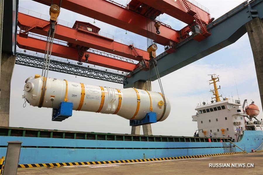 """Парогенератор ZH-65 для китайского ядерного реактора третьего поколения """"Хуалун-1"""" покинул завод в Гуанчжоу и отправился в провинцию Фуцзянь"""