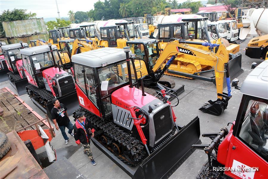 Китай передал Филиппинам инженерную технику для восстановления города Марави после боевых действий
