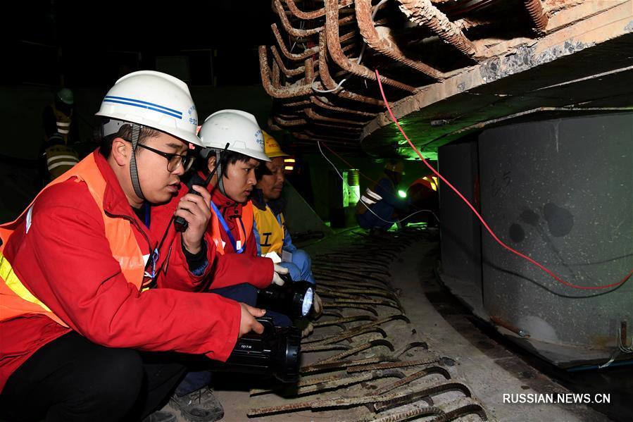 В провинции Хэнань произведены высотный разворот и установка моста ВСЖД Чжэнчжоу -- Ваньчжоу