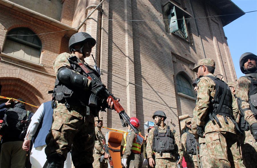 Неизвестные напали науниверситетский кампус вПакистане