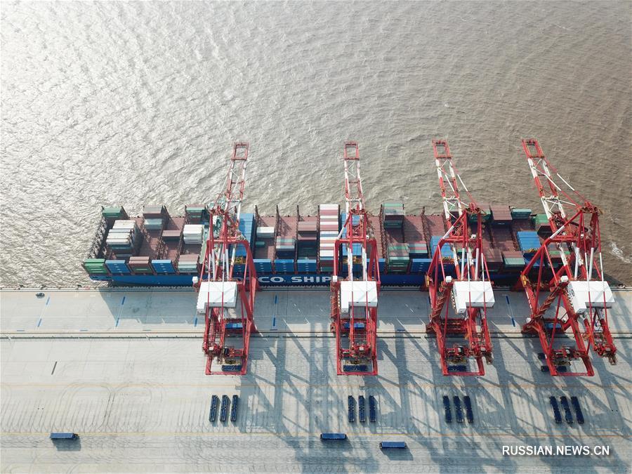 (经济)(1)上海洋山深水港四期自动化码头开港试生产