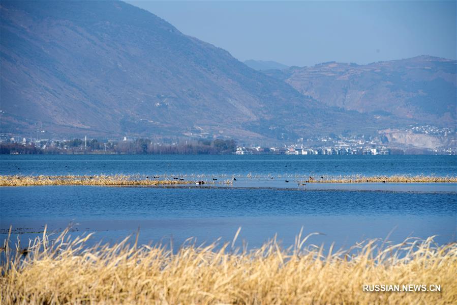 Пейзажи озера Эрхай в провинции Юньнань