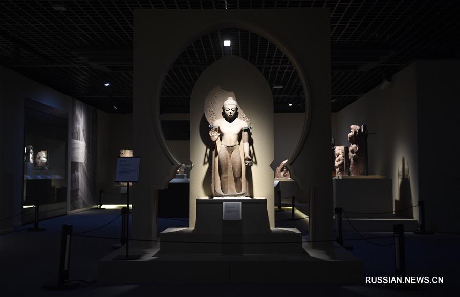 В Сычуаньском музее проходит выставка скульптуры Китая и Индии 400-700 годов