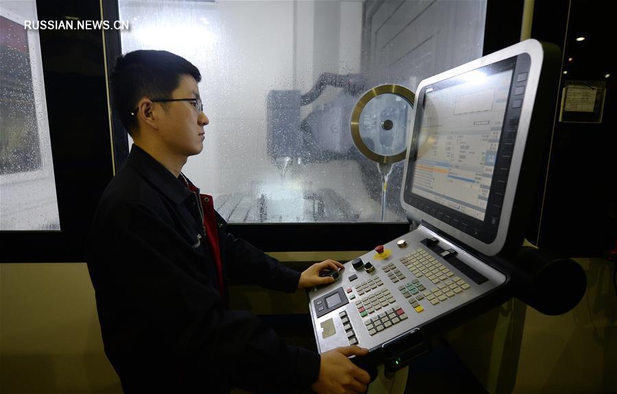 """Китай приступил к производству нового регионального самолета """"Синьчжоу-700"""""""