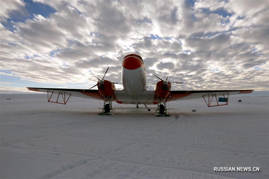 """Китайские полярники встретили первое утро 2018 года на борту """"Снежного орла"""""""