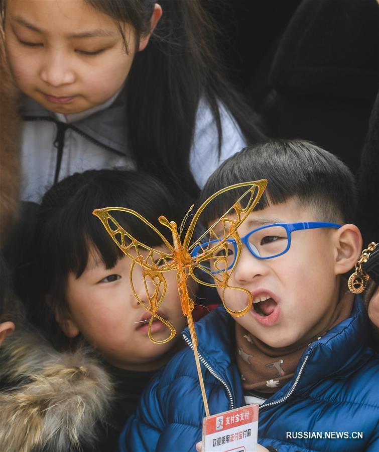 Новогодняя выставка нематериального культурного наследия в поселке Пуюань