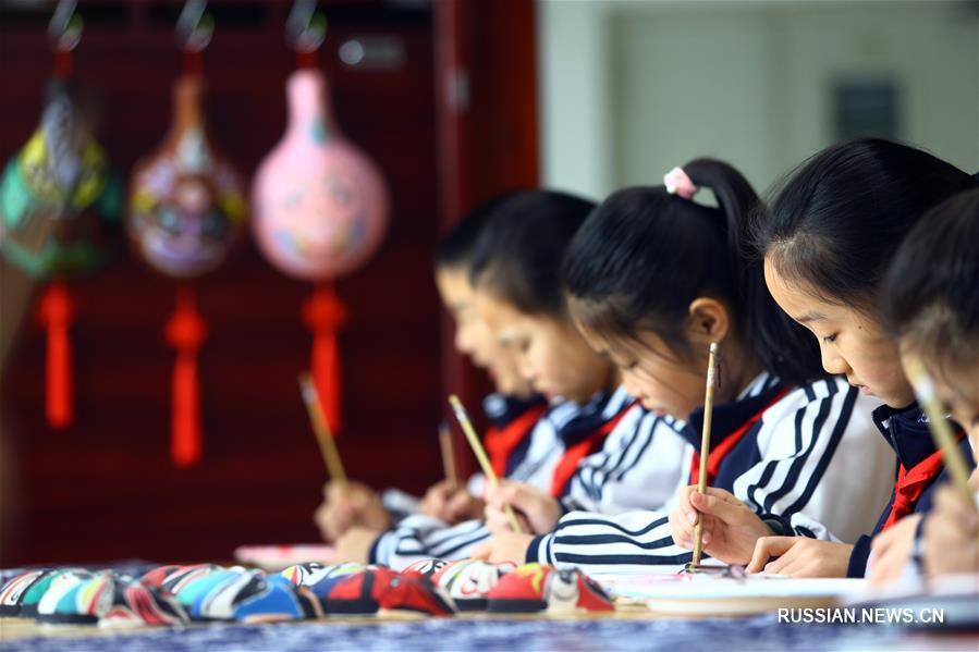 Уроки нематериального культурного наследия в тяньцзиньской школе
