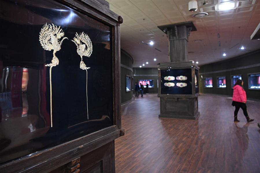 В Музее провинции Цзянси открылась выставка ювелирных украшений времен династии Мин