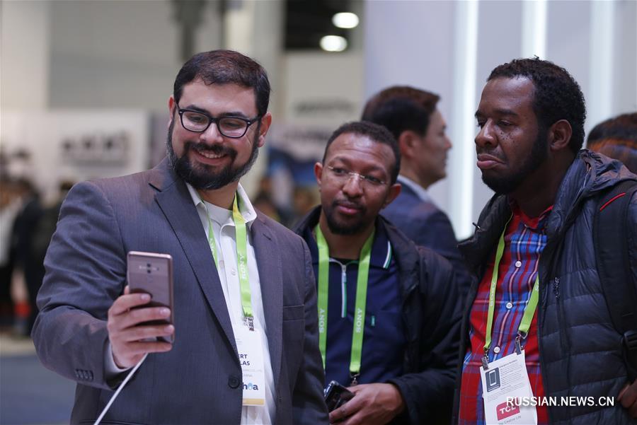 Презентация в США смартфона Huawei Mate 10 Pro