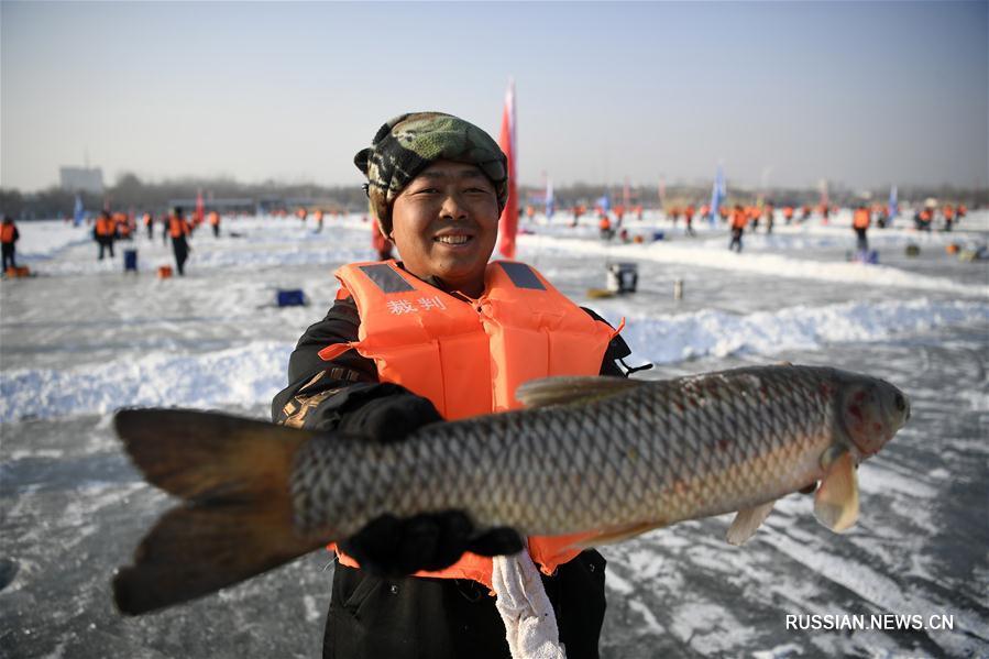 В Нинся открылось 6-е Всекитайское зимнее состязание по рыбной ловле в естественных  водоемах
