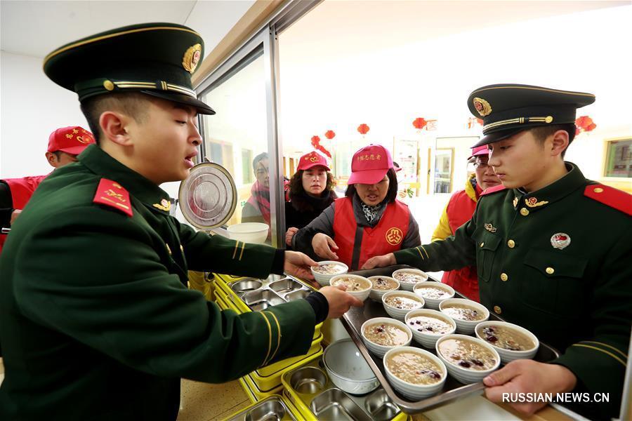 В Китае отмечают традиционный праздник Лаба и едят кашу лабачжоу