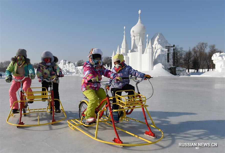 """Парк """"Мир льда и снега"""" в Харбине"""