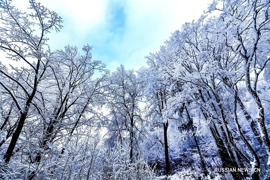 Сказочная снежная страна у подножия гор Циньлин