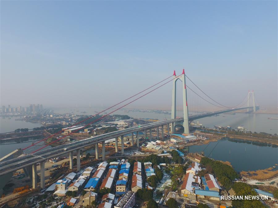 Введен в эксплуатацию новый автомобильный мост через озеро Дунтинху