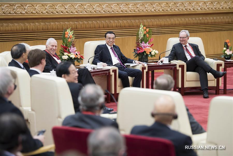 (时政)李克强同在华外国专家举行新春座谈会