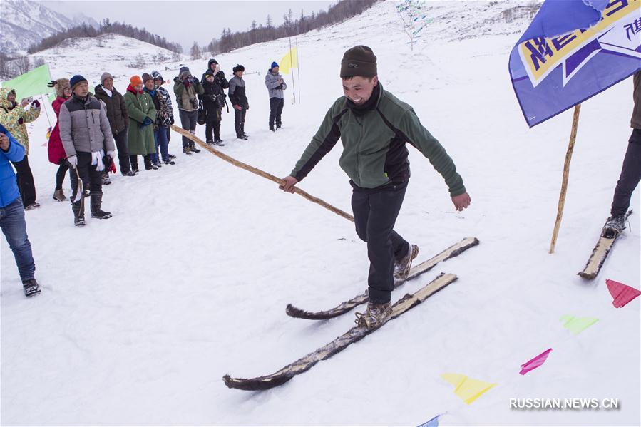 Зимние спортивные соревнования у тувинцев по случаю праздника Весны