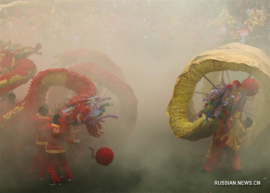 Танцы драконов в провинции Гуйчжоу