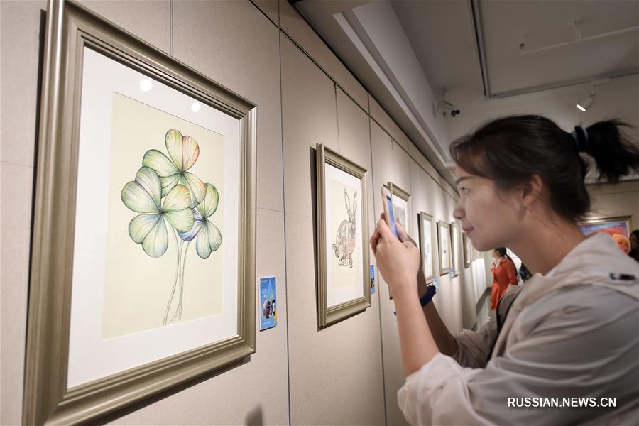 В Ханчжоу проходит выставка произведений искусства, созданных учащимися-аутистами