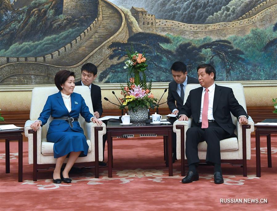 Ли Чжаньшу встретился с зампредседателя Мажилиса Казахстана Г.Исимбаевой