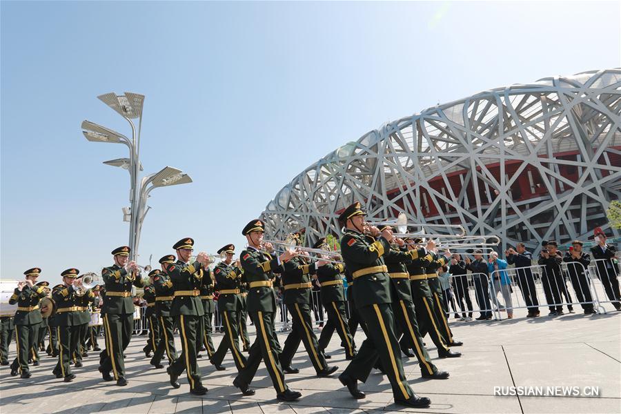 В рамках пятого Фестиваля военных оркестров ШОС в Пекине состоялось парадное шествие