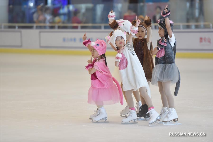 Костюмированные выступления юных фигуристов в Фучжоу